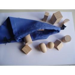 """Sac """"mystère"""" avec 10 solides géométriques en bois"""